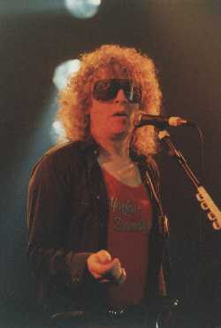 [Ian Hunter live in 1990